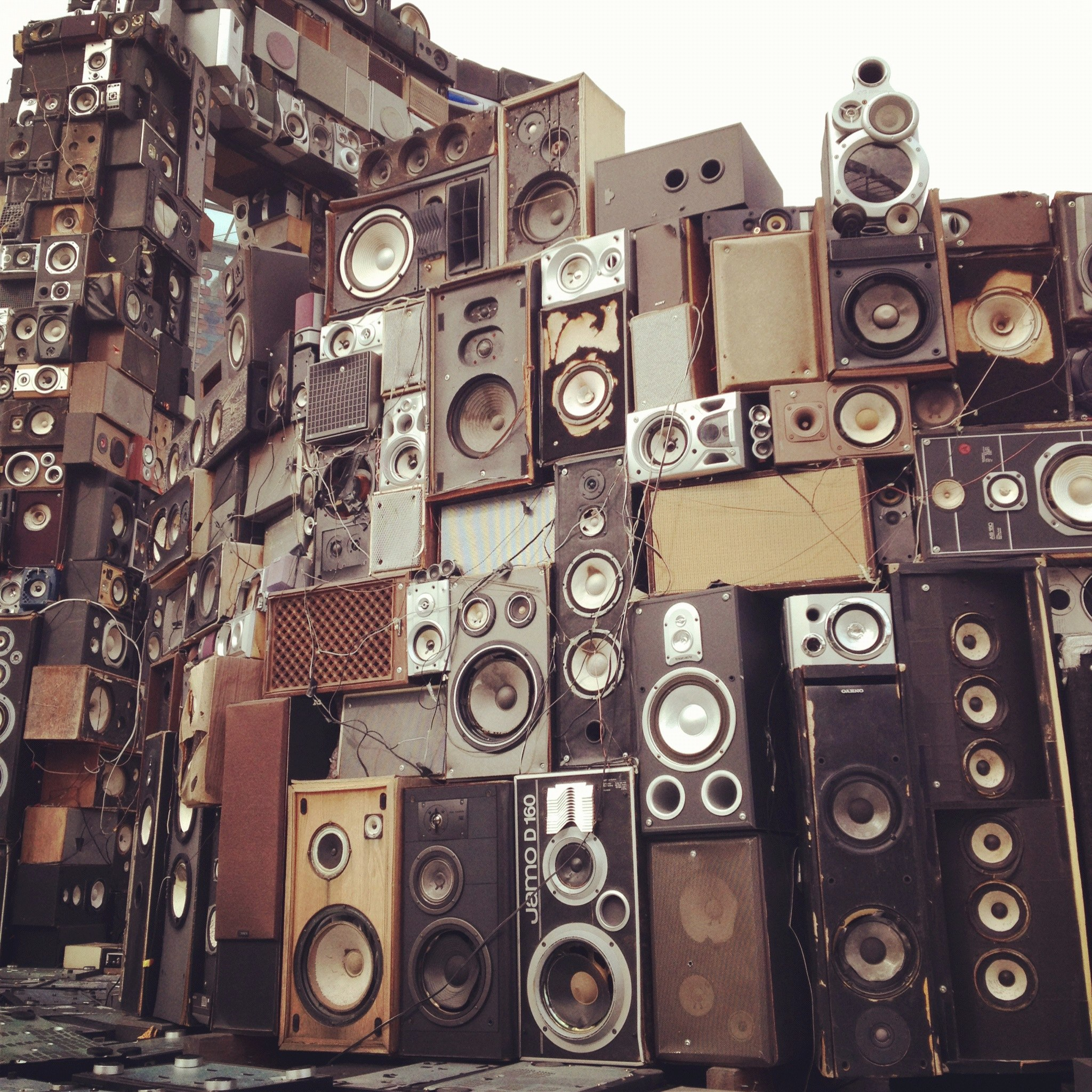 wall of sounds. Black Bedroom Furniture Sets. Home Design Ideas